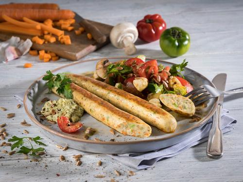 Vegane Bratwurst mit Gemüse, gegart & gebräunt, ca. 90 g